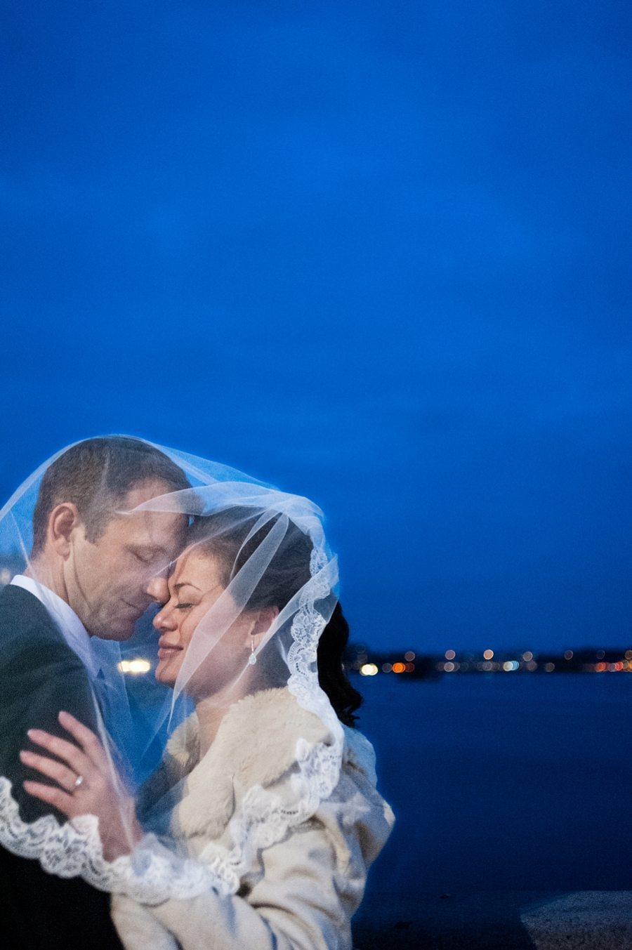 Bride and groom at their winter wedding in the evening Copenhagen wedding photographer