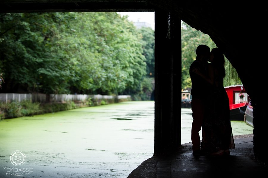 Angel Regent's Canal Colourful Intimate Maternity shoot