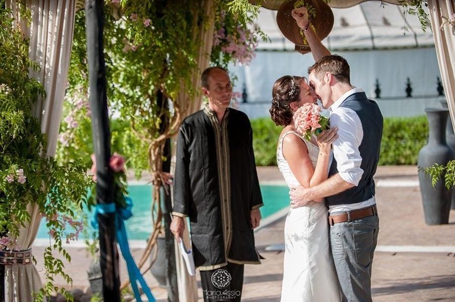 Bride and groom wedding kiss, Morocco wedding photographer