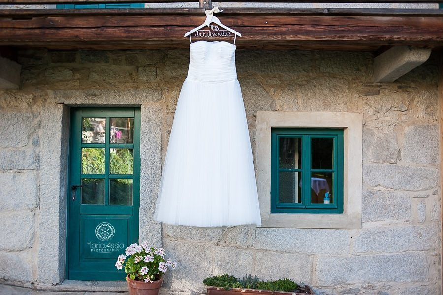 Bavarian destination wedding photographer, wedding dress