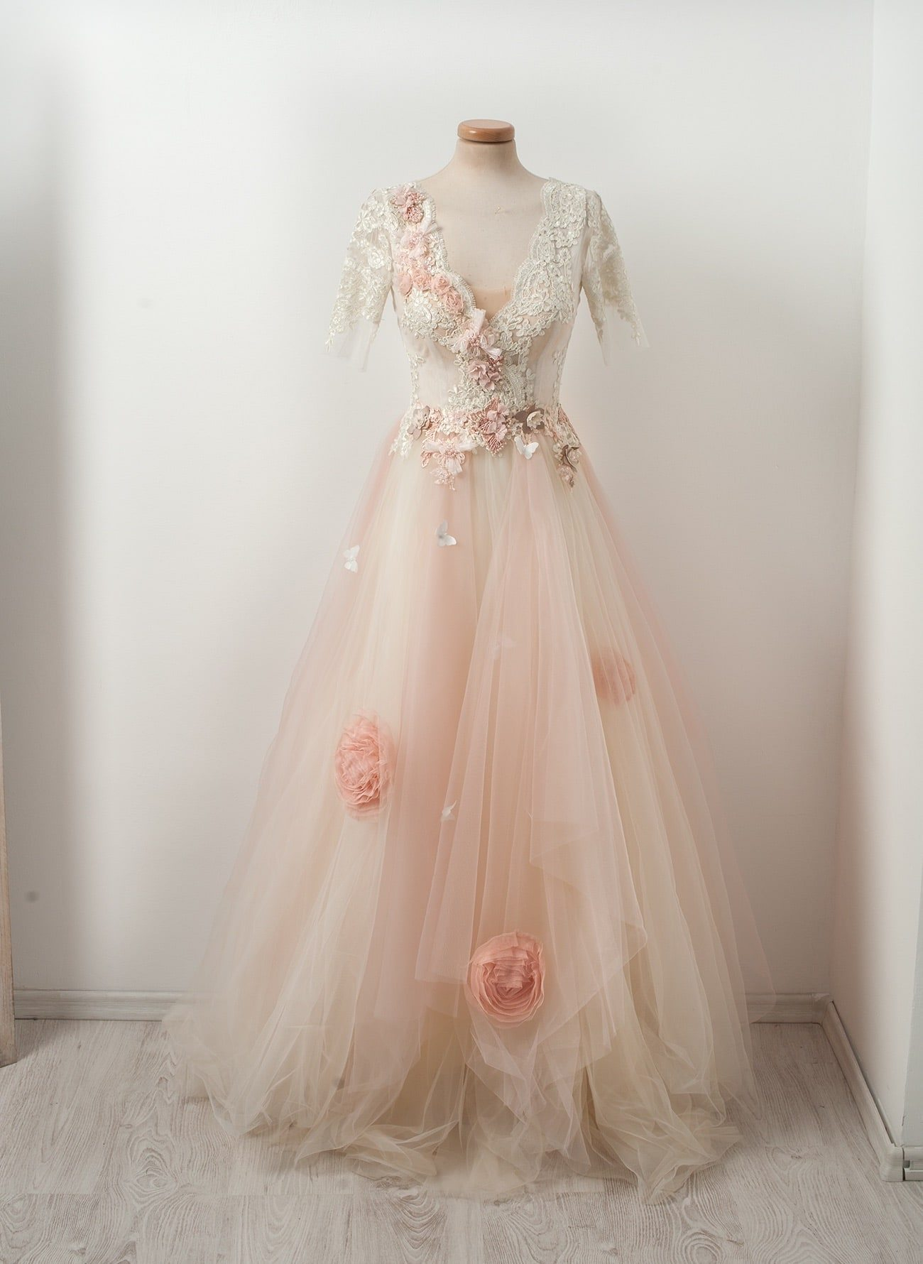 Chotronette's Meringue Cake dress with pale pink tulle and appliqued roses