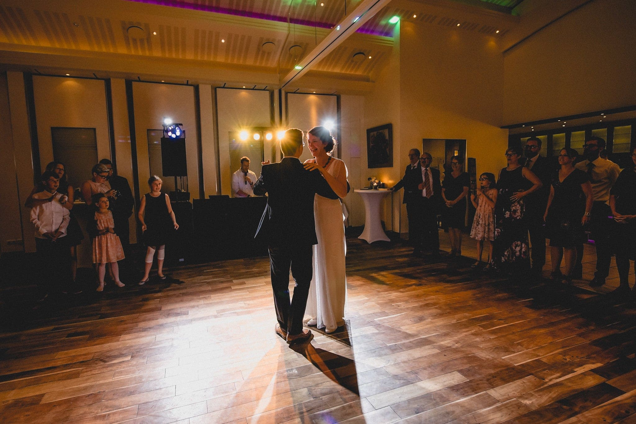Bride and groom's First dance at their Heartfelt Destination Wedding in Germany | Maria Assia Photography